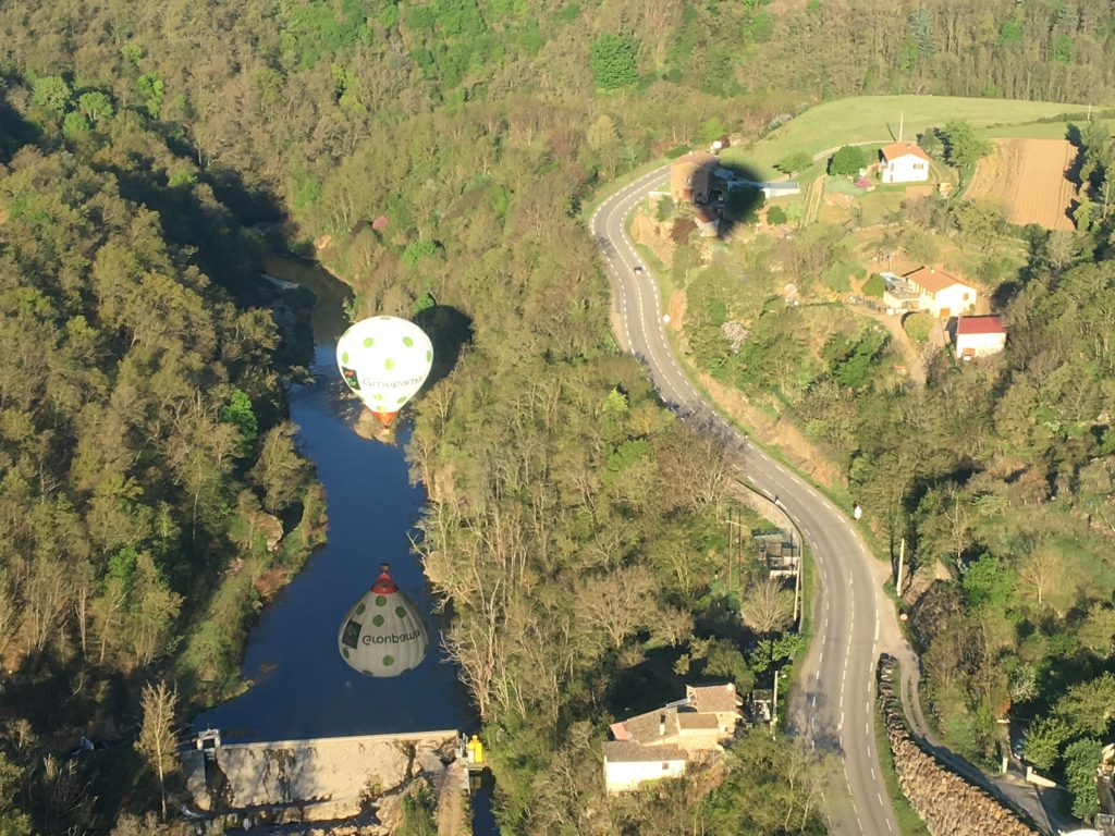 Montgolfières et Cie Annonay Ardèche Montgolfière France communication aerienne voler